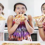 Cómo contribuir a unos buenos hábitos alimentarios en los adolescentes