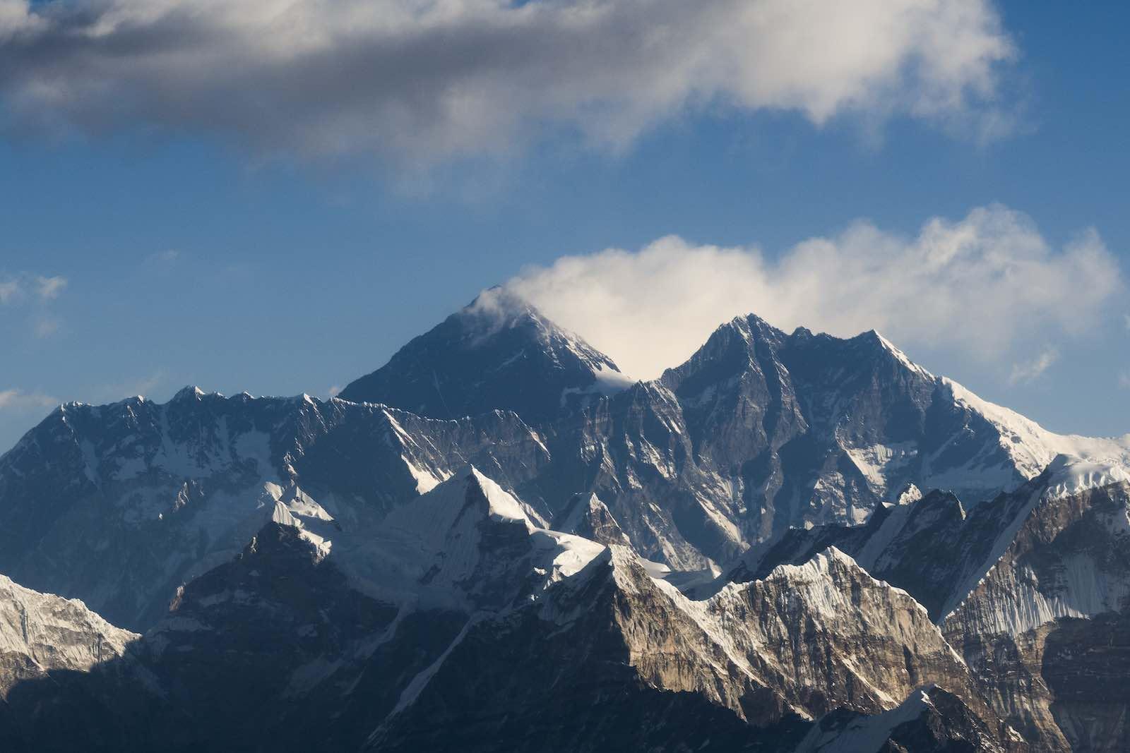 Everest nepal microplastico