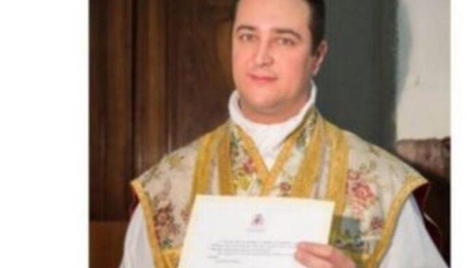 arrestado sacerdote por realizar orgías