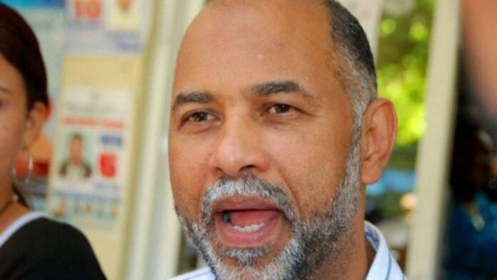 Eduardo Hidalgo se acerca a la presidencia ADP
